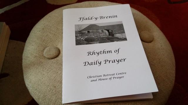 Ffald y Brenin Daily Prayer Book
