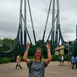 I heart rollercoasters, especially Stealth.
